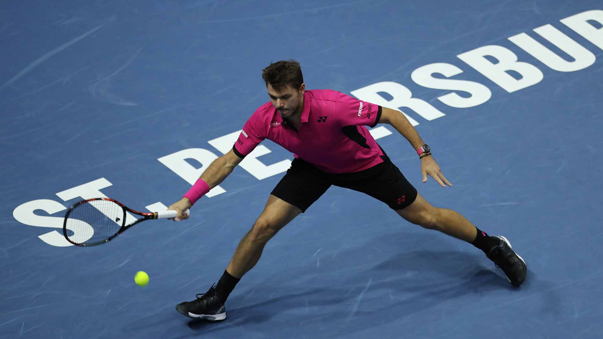 Stan Wawrinka moves into the quarter-finals in St. Petersburg.