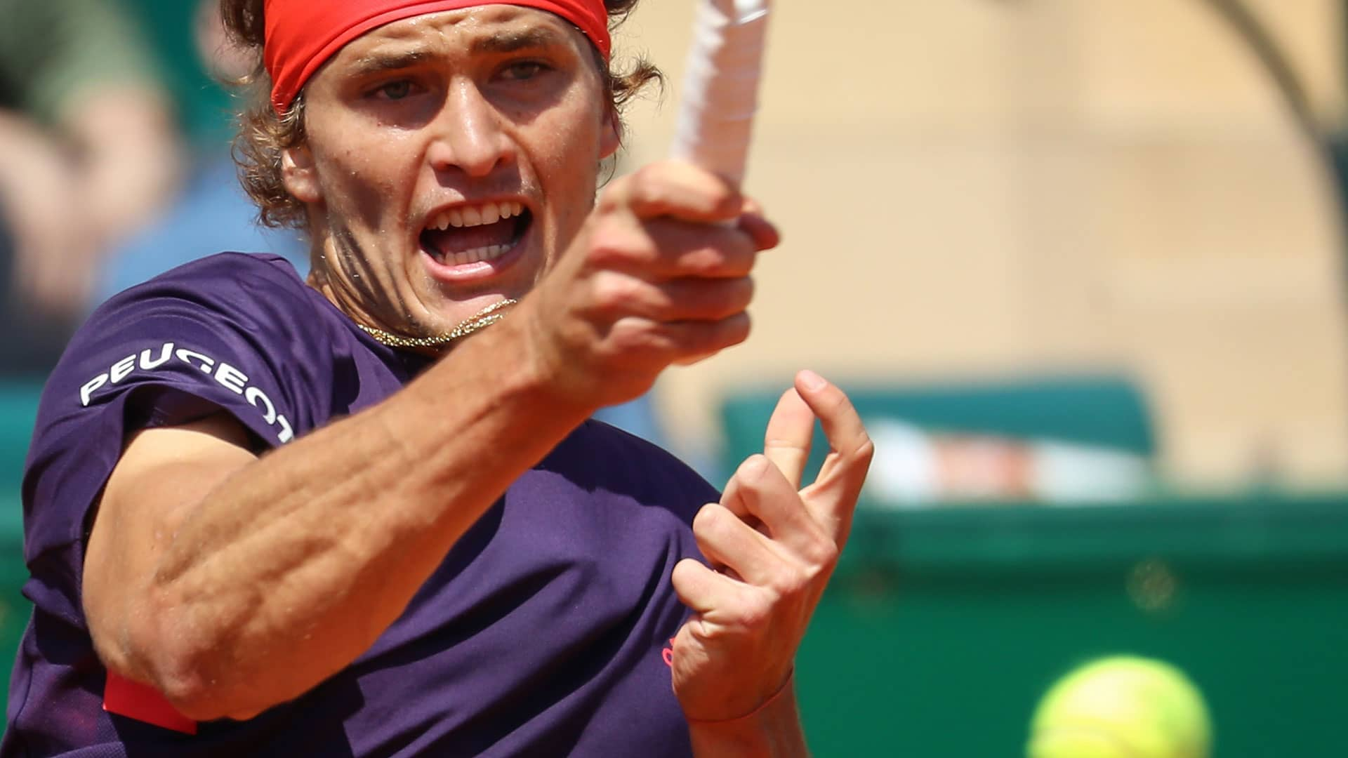 Zverev strikes a forehand in Monte-Carlo