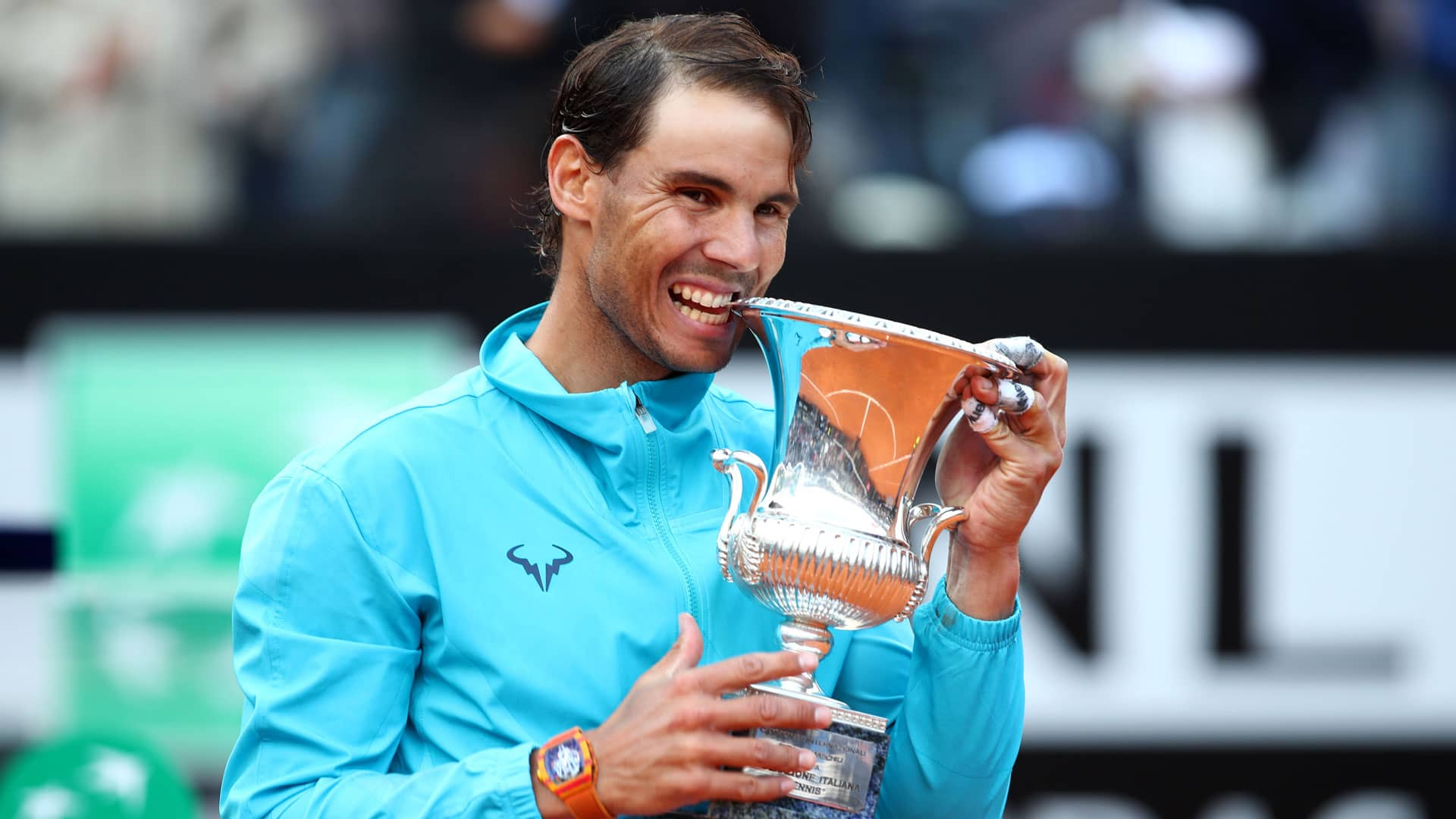 Rafael Nadal holds the trophy in Rome 2019.