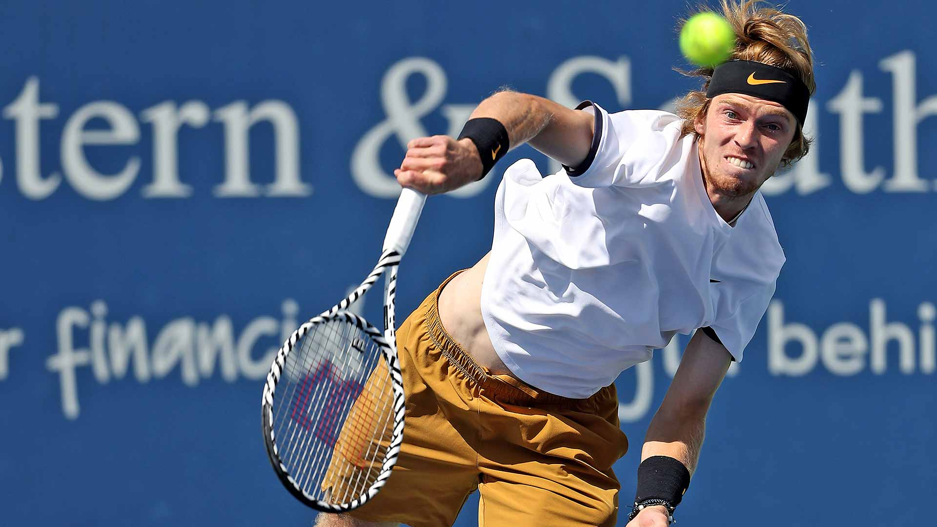 Andrey Rublev stuns Roger Federer to claim the second Top 5 win of his career.